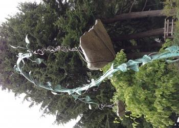 hanging-bird-bath-granite-bowl-with-metal-armature